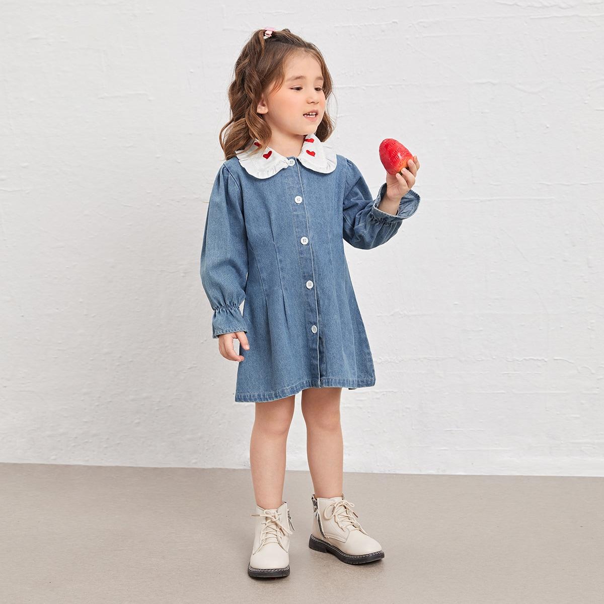 для девочек Джинсовое платье с вышивкой сердечка с воротником питер пэн с рукавами-воланами SheIn sk2107070410780900