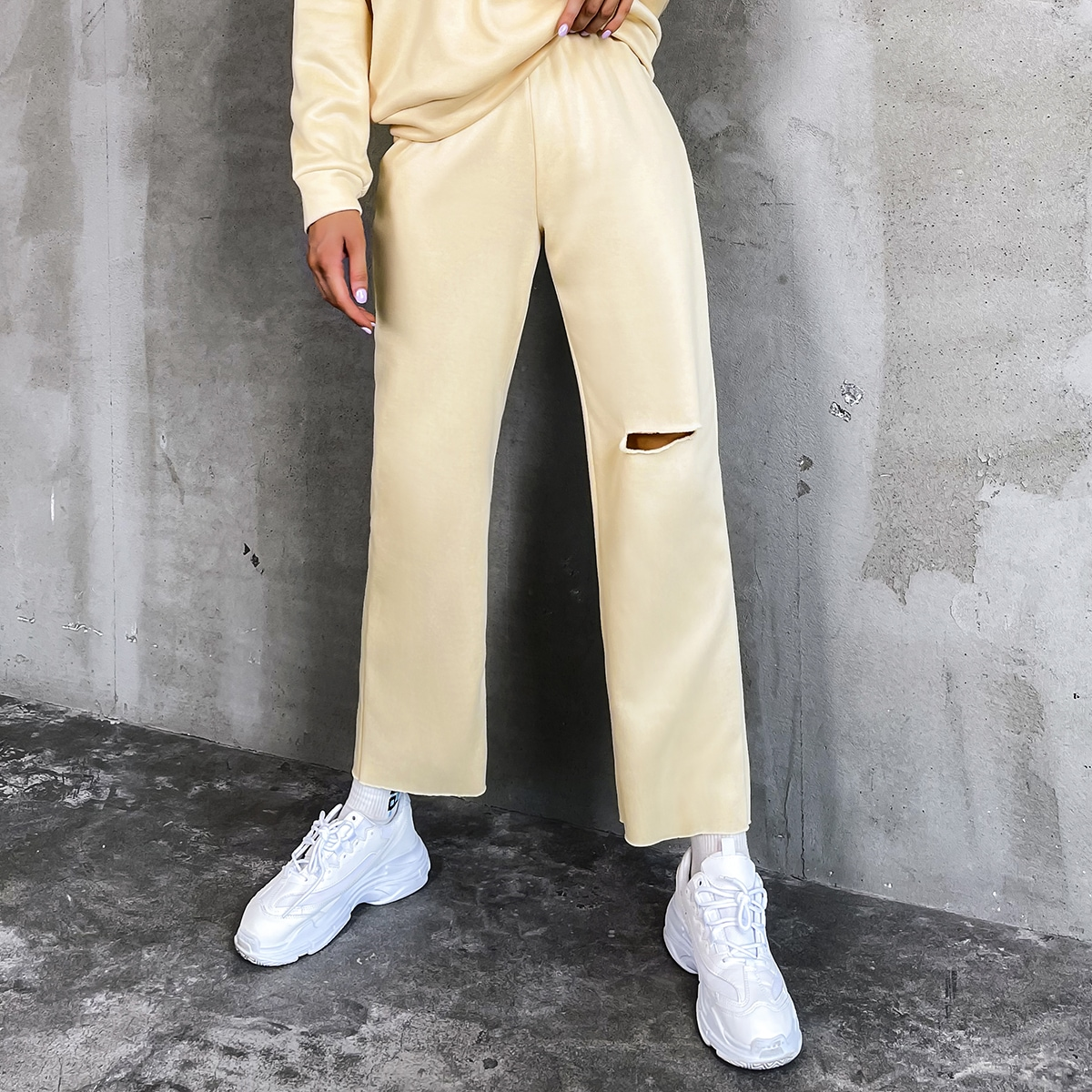 Solid Knee Ripped Straight Leg Pants
