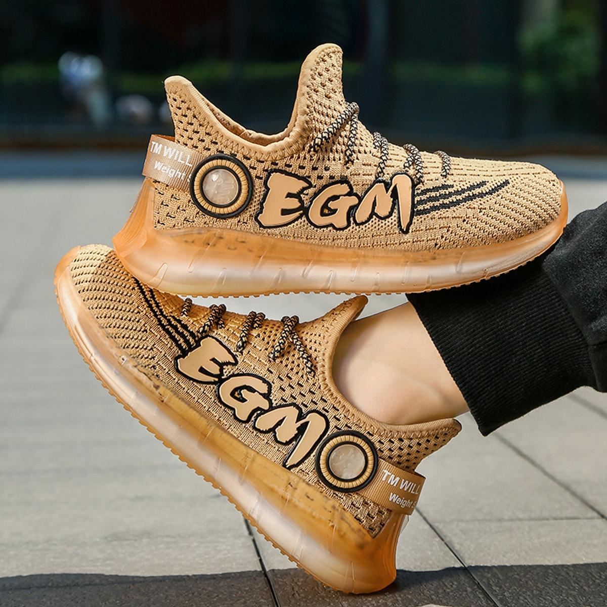 Беговая обувь для мальчиков с текстовым рисунком от SHEIN