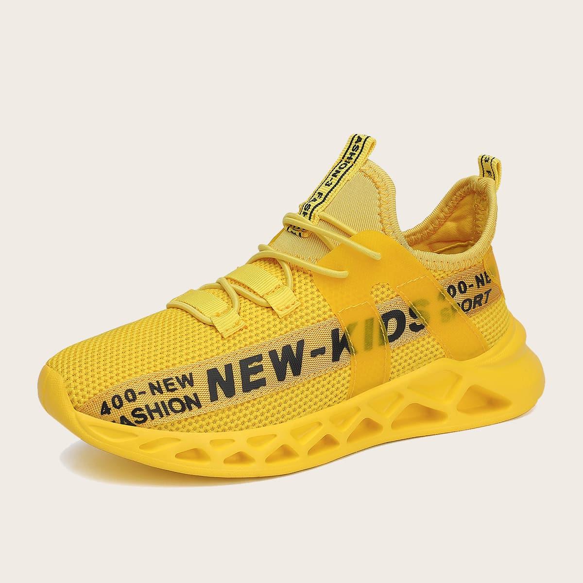 Беговая обувь для мальчиков от SHEIN