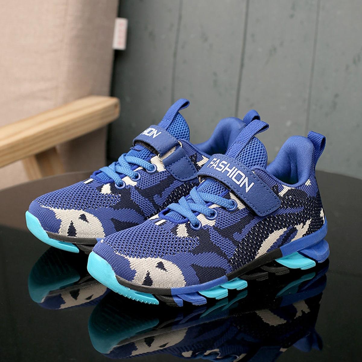 Вязаная беговая обувь  для мальчиков с камуфляжным рисунком от SHEIN