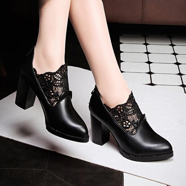 Minimalist Lace Decor Chunky Heeled Court Pumps, Black