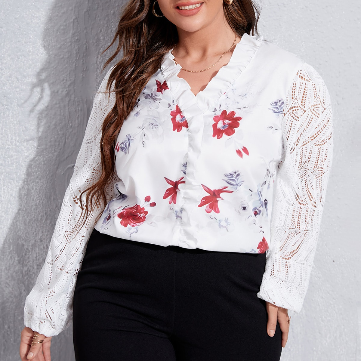 Блуза размера плюс с цветочным принтом