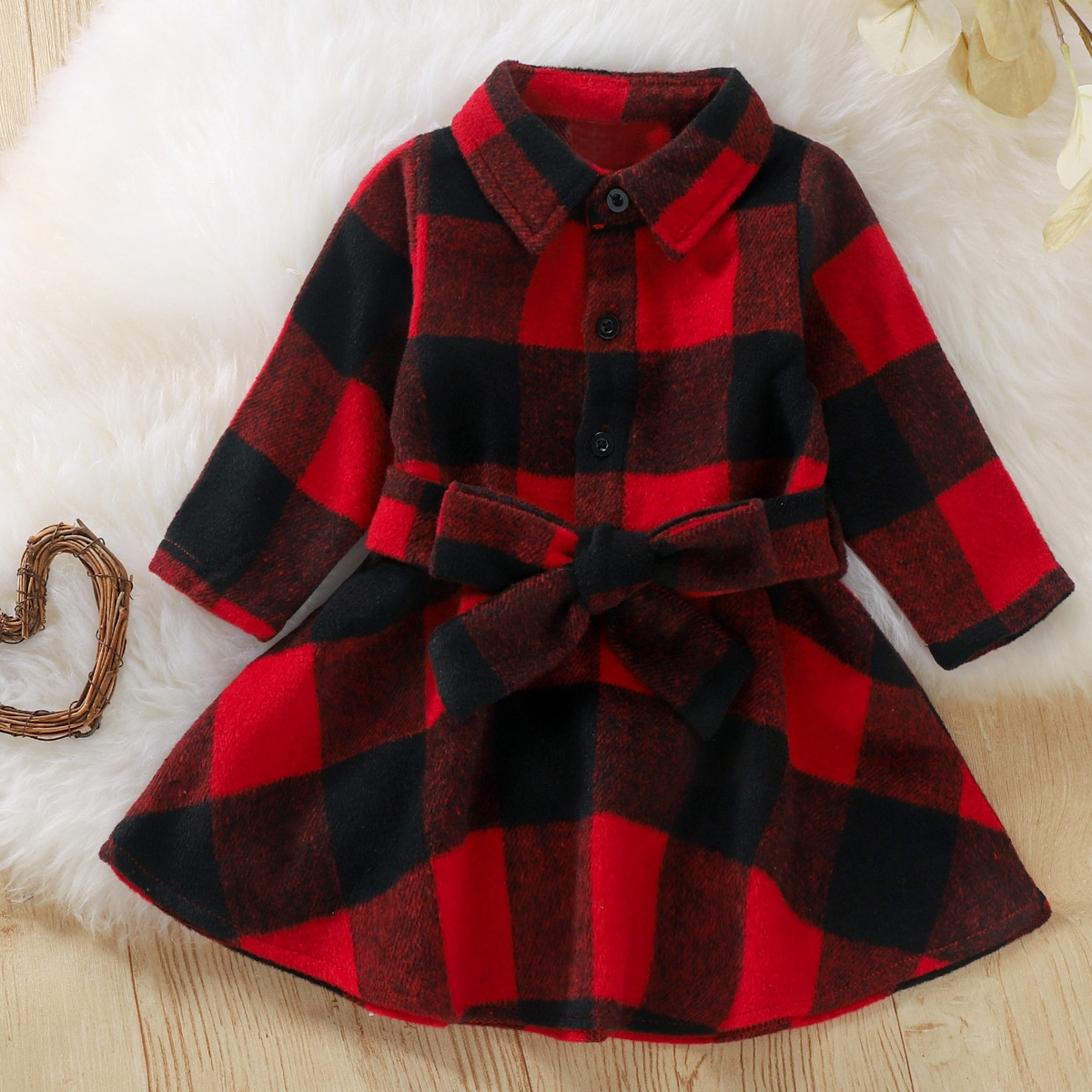 Платье-рубашка в клетку с поясом от SHEIN