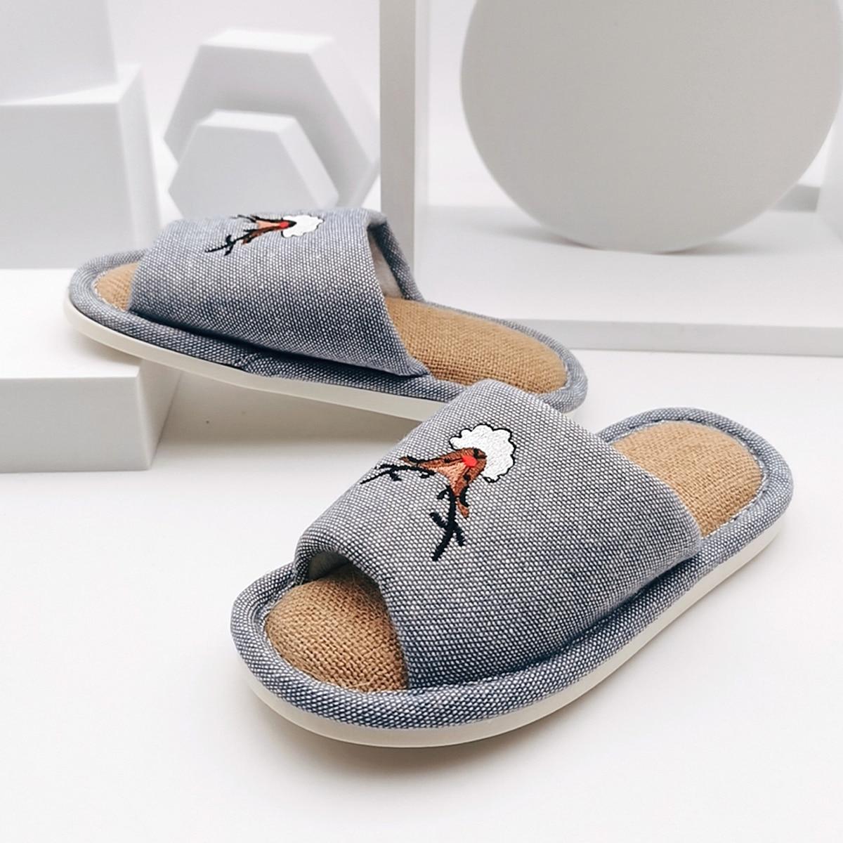 для мальчиков Шлепанцы с мультипликационным узором с открытым носком от SHEIN