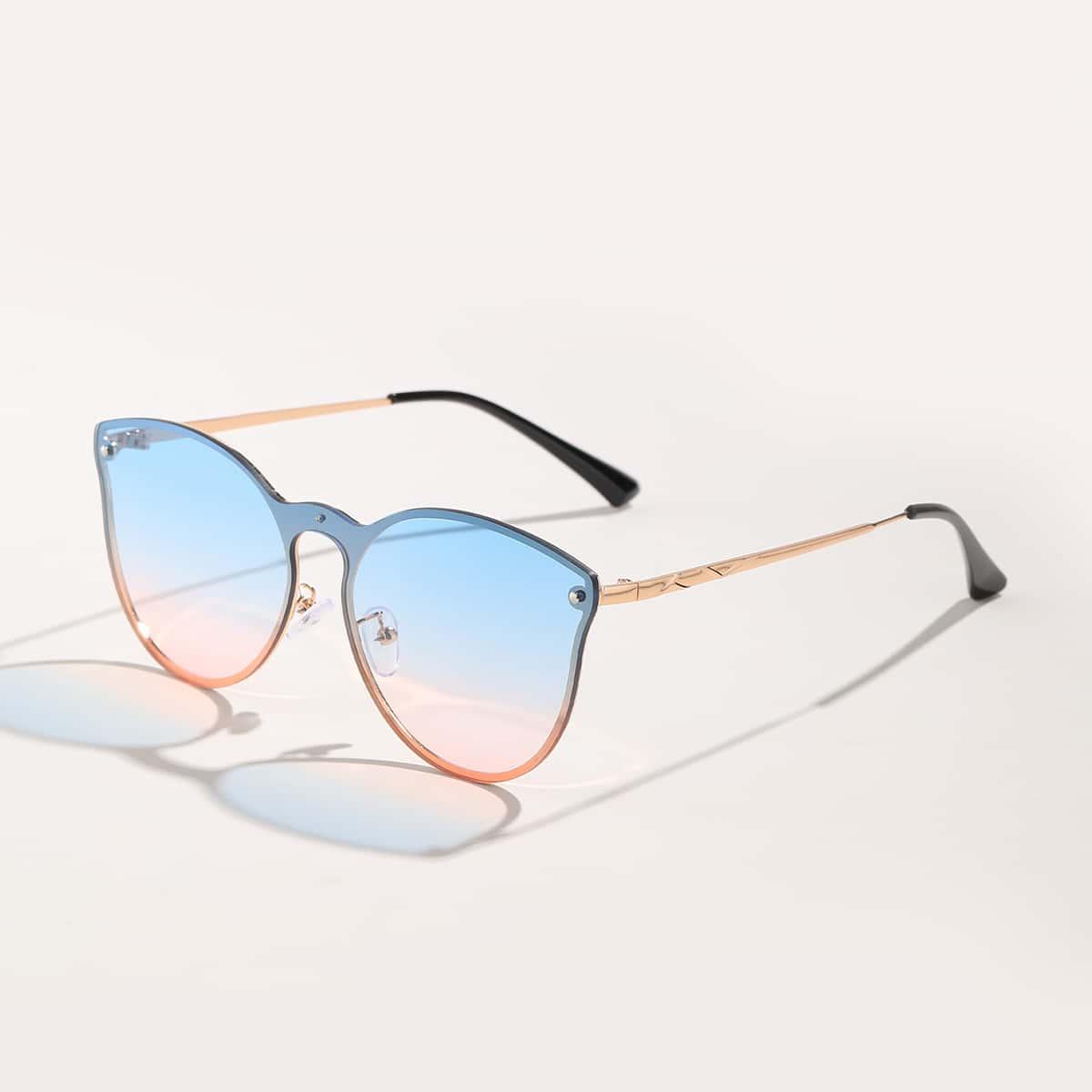 Солнцезащитные очки с тонированными линзами