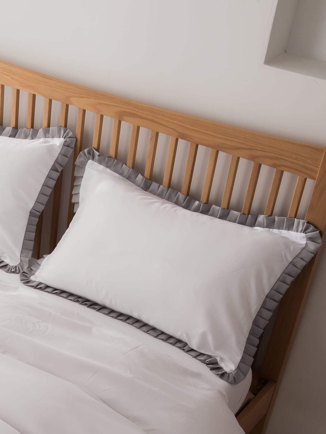 1Pair Ruffle Pillowcase Without Filler