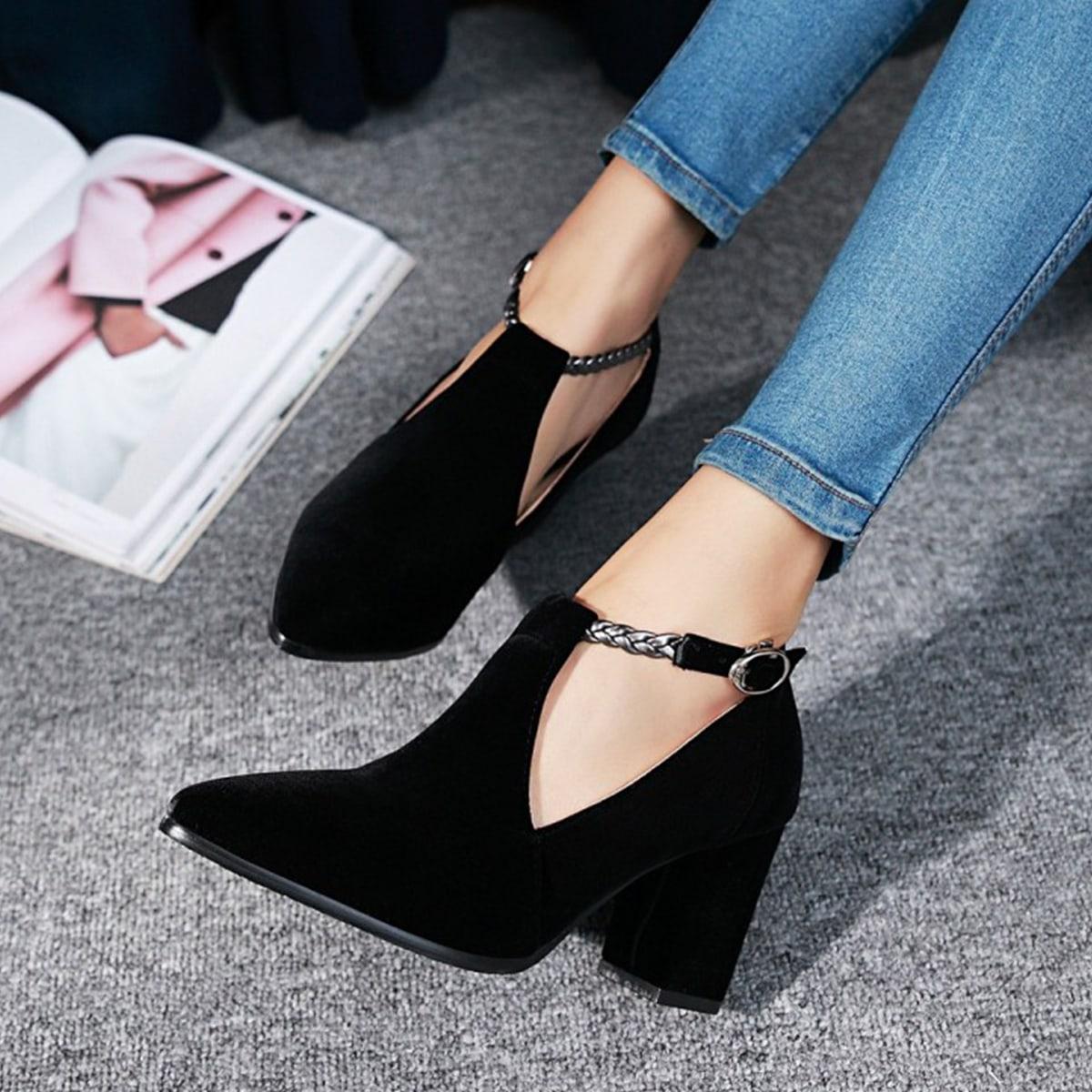 Замшевые туфли-лодочки на массивном каблуке от SHEIN
