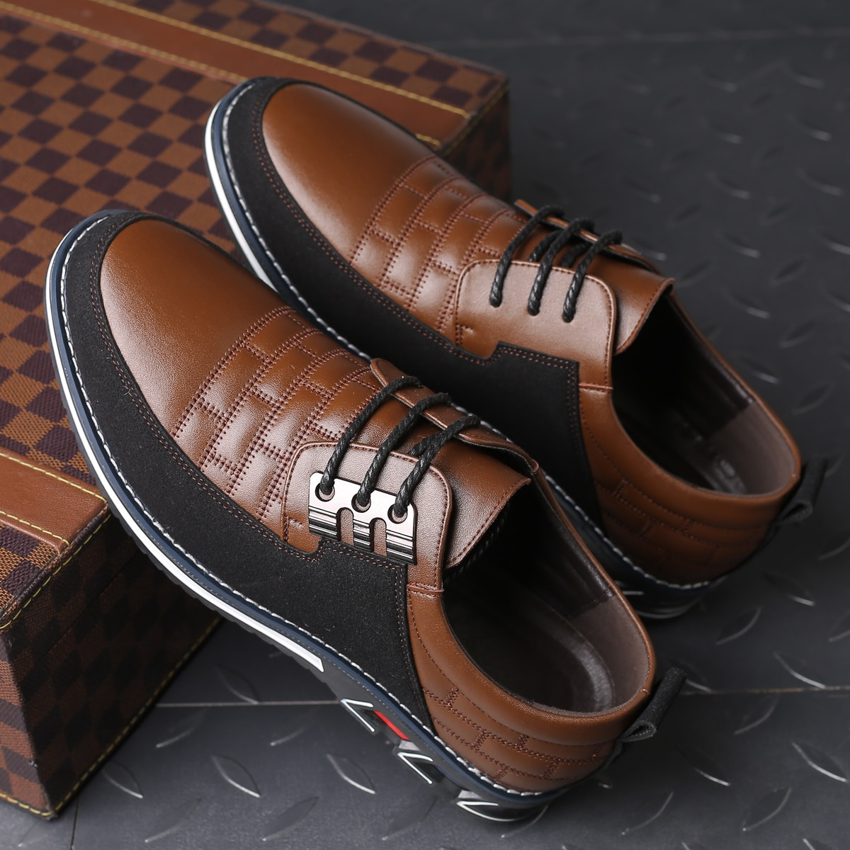 Men Quilted Pattern Brogues