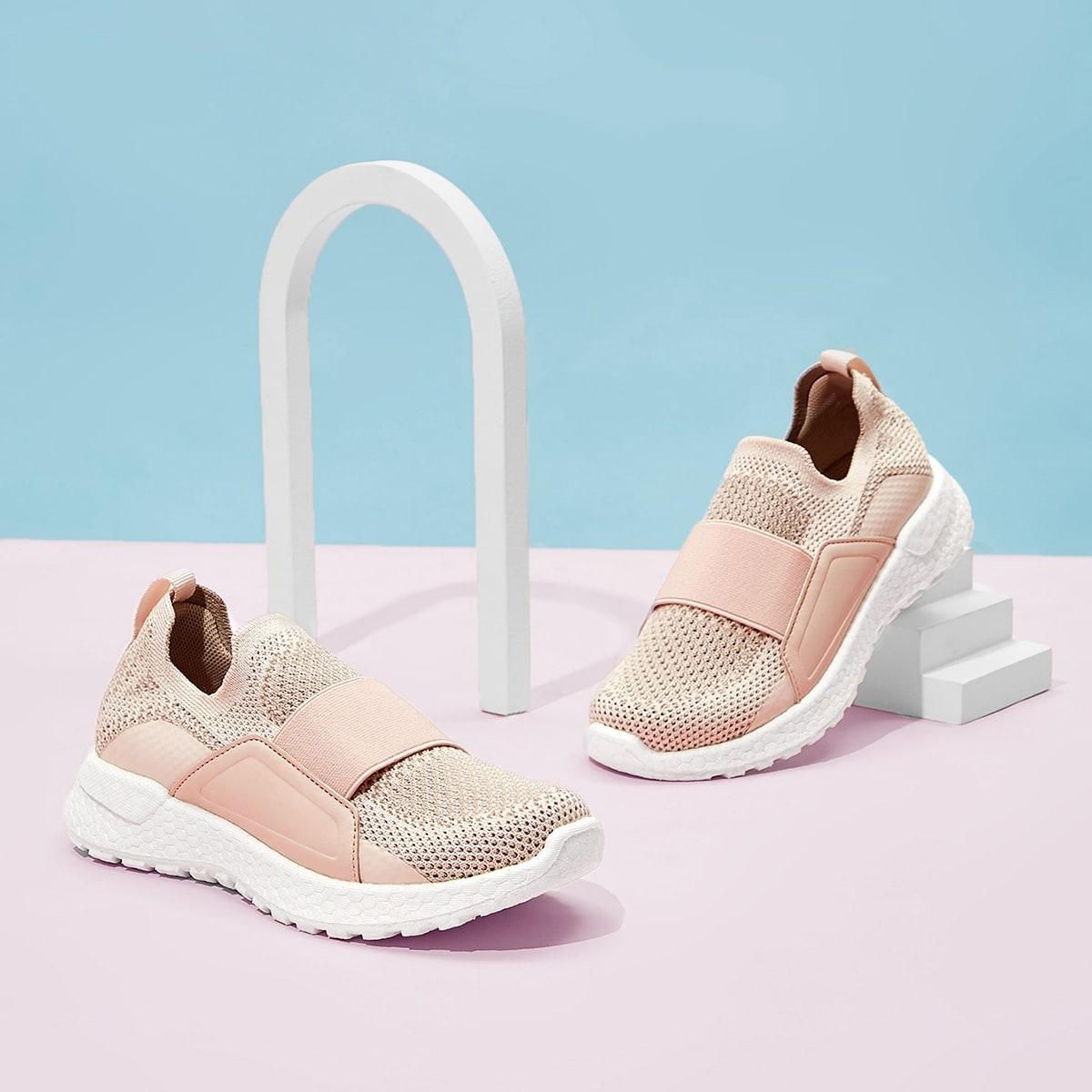 Беговая обувь для девочек от SHEIN