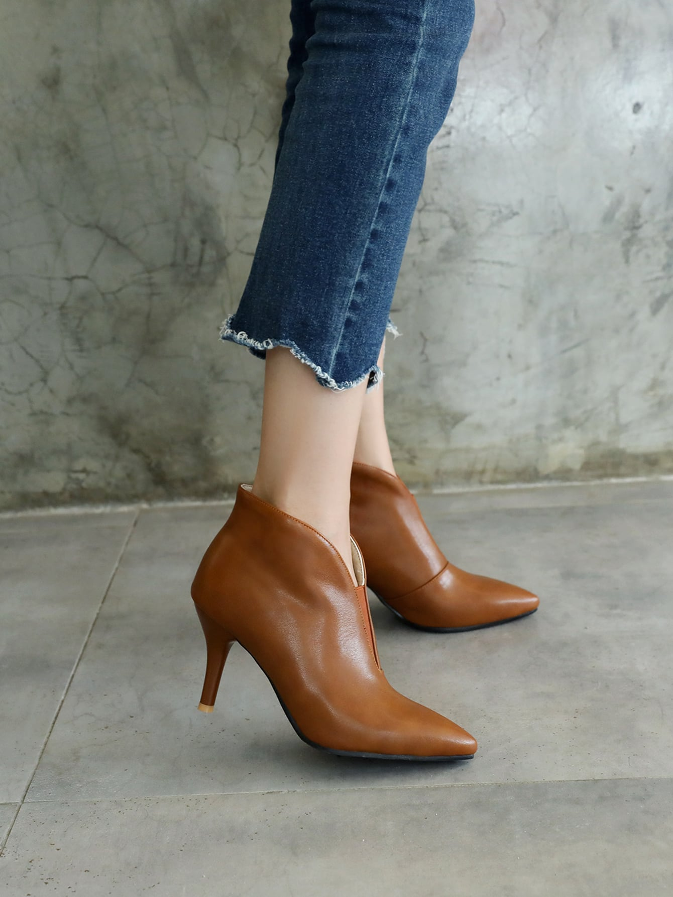 Point Toe Heeled Boots