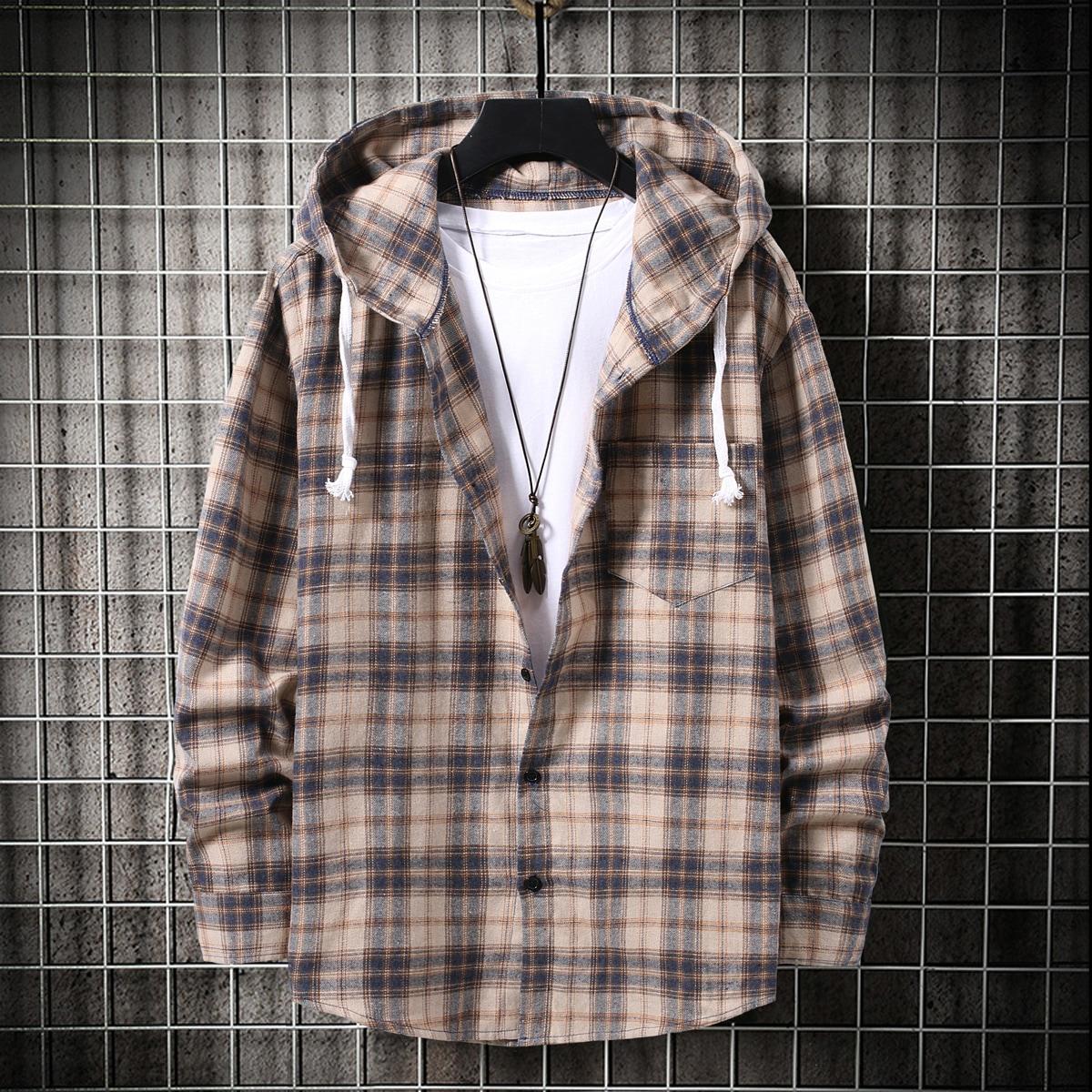 Мужская рубашка в клетку на пуговицах с капюшоном