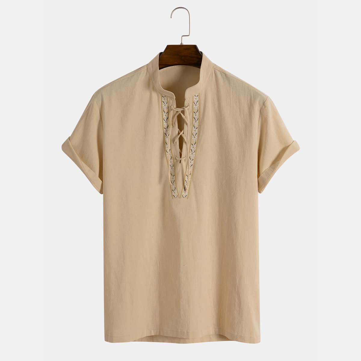 Мужская рубашка с цветочной вышивкой