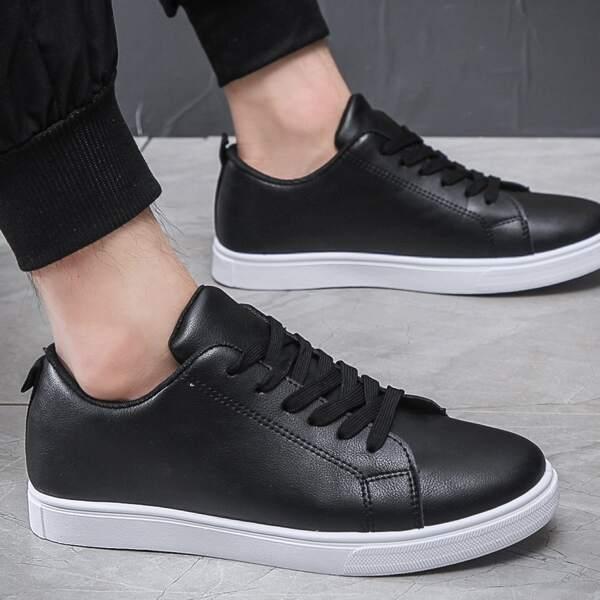 Men Minimalist Lace-up Front Skate Shoes, Black