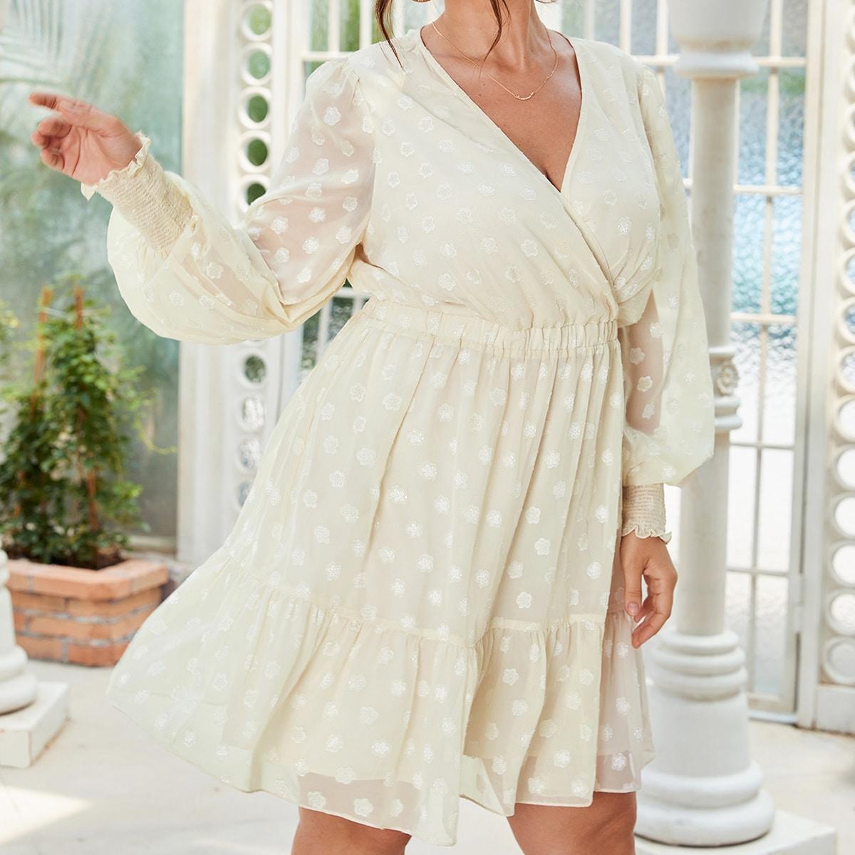 размера плюс Платье в горошек с v-образным вырезом с оборками из шифона