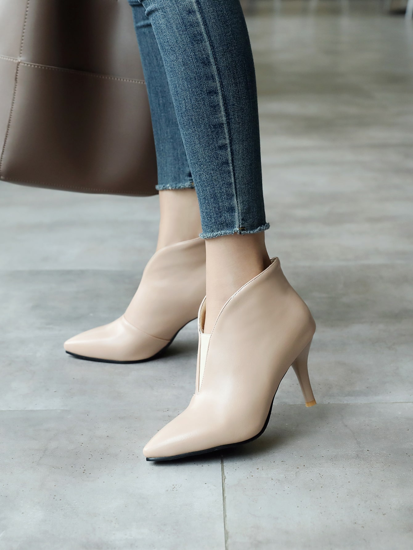 Solid Slip-On Point Toe Stiletto Heeled Boots