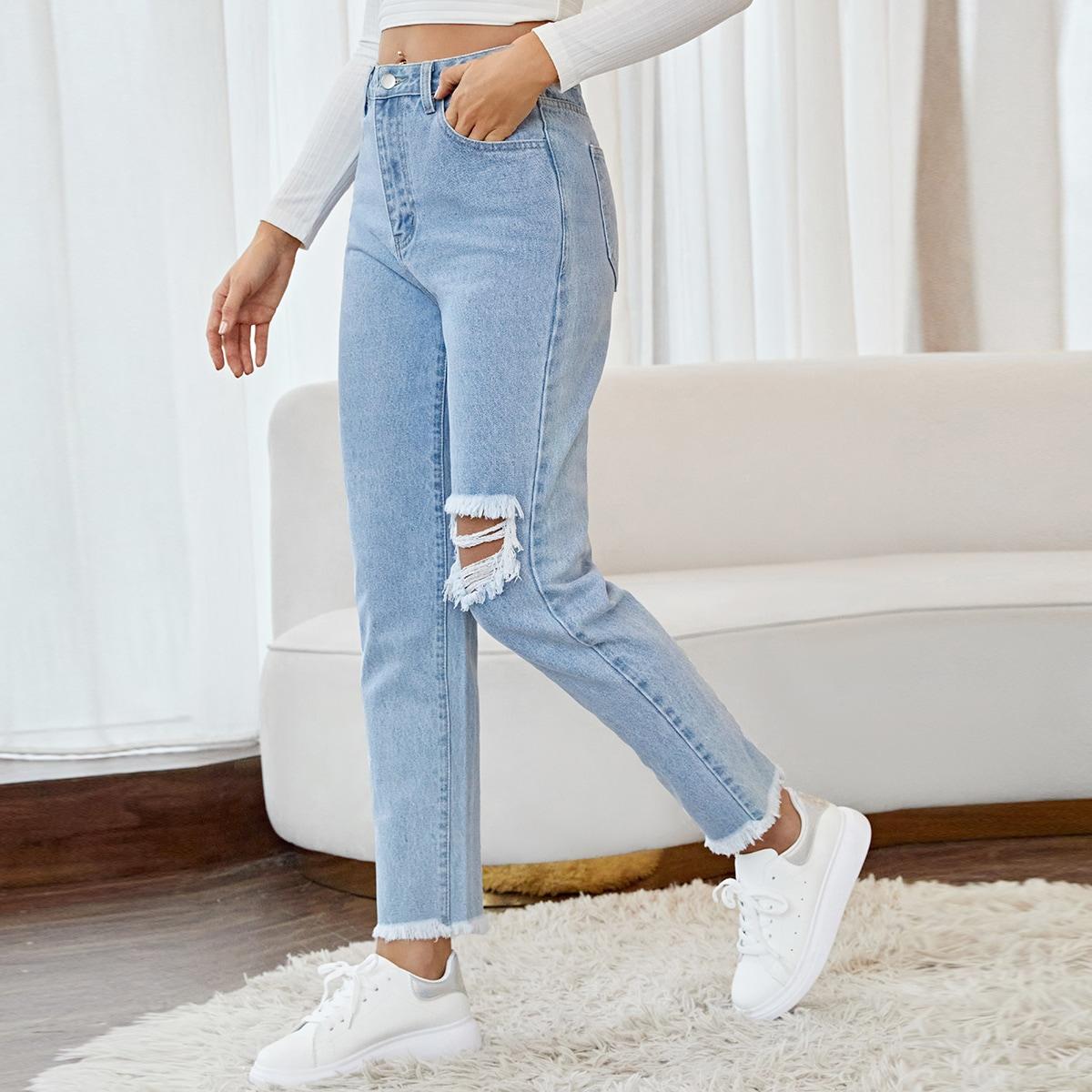 Рваные короткие джинсы