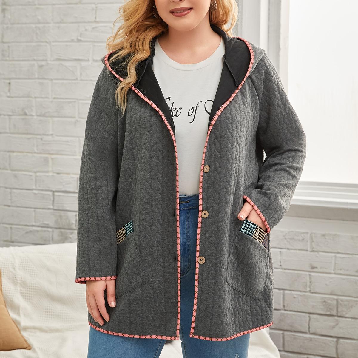 Пальто с капюшоном и карманом размера плюс
