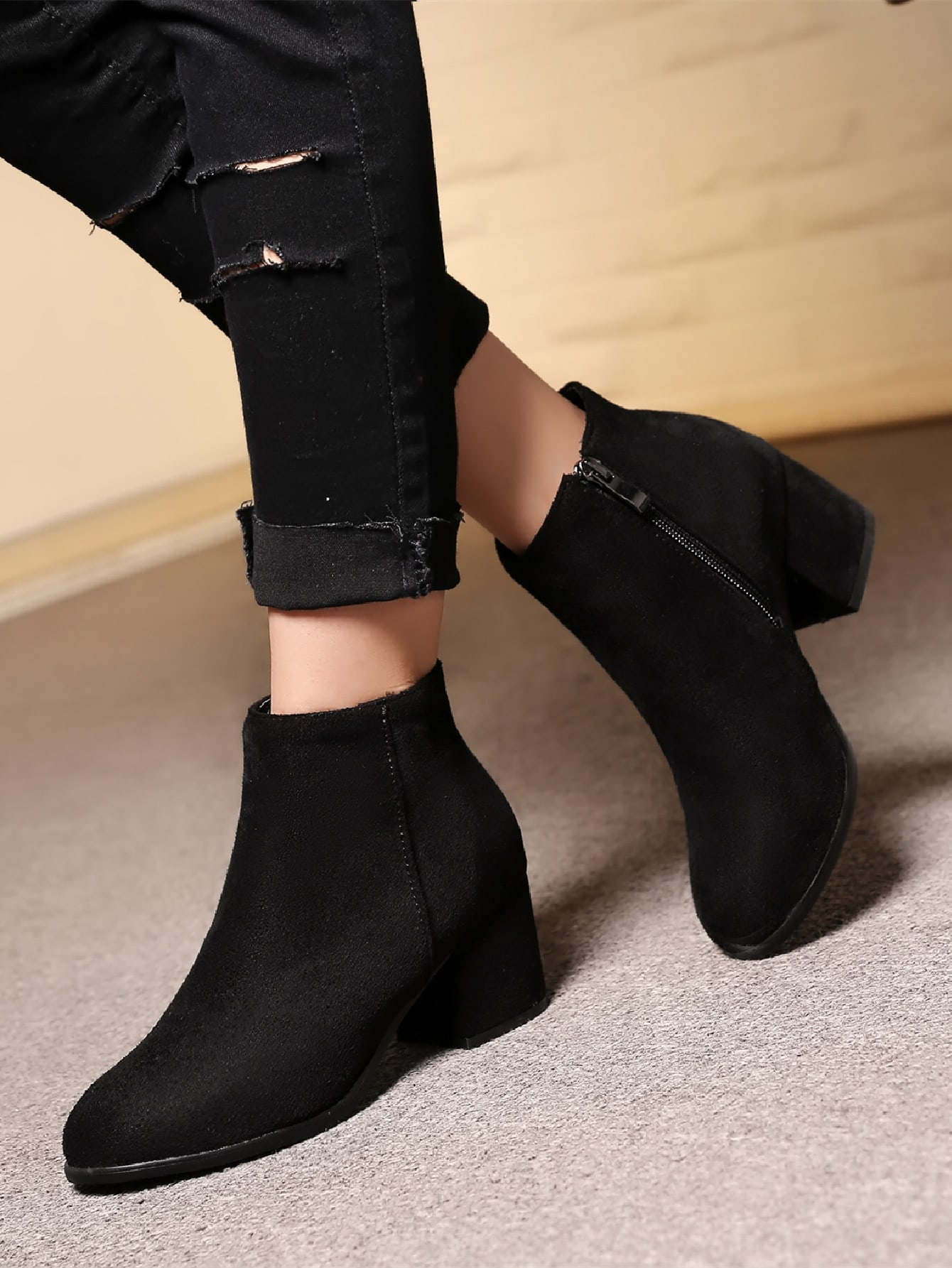 Suede Side Zipper Chunky Boots