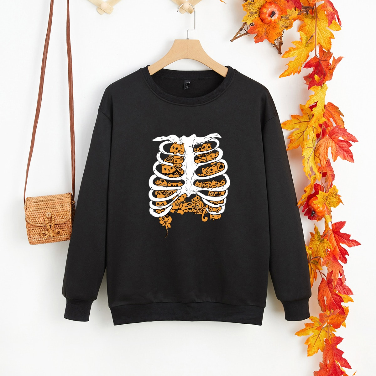 Plus Skeleton & Cartoon Graphic Thermal Lined Sweatshirt, SHEIN  - buy with discount