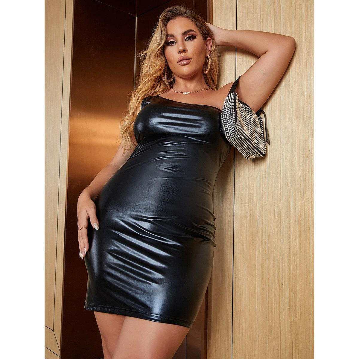 размера плюс Облегающее платье на одно плечо из искусственной кожи