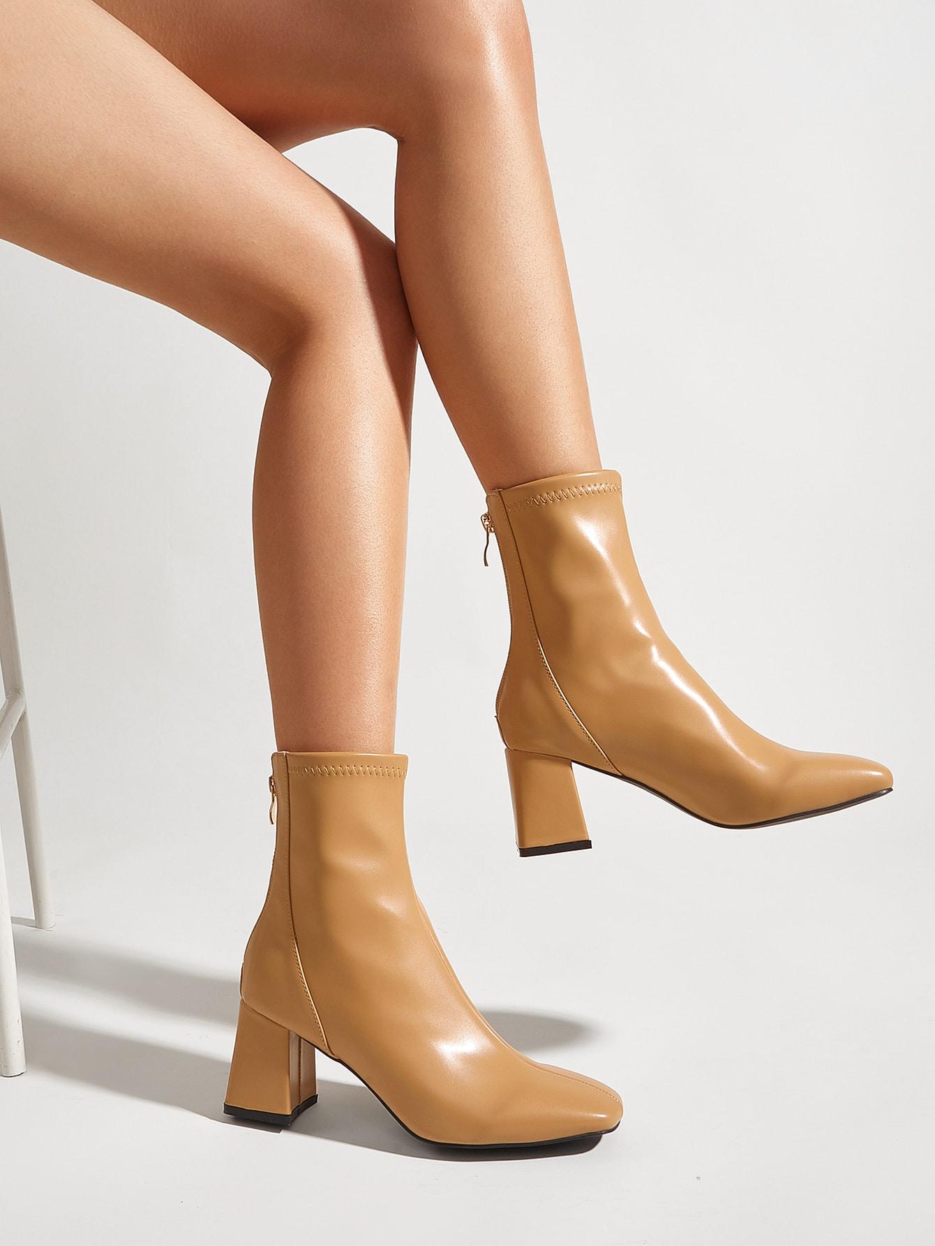 Minimalist Chunky Heeled Boots
