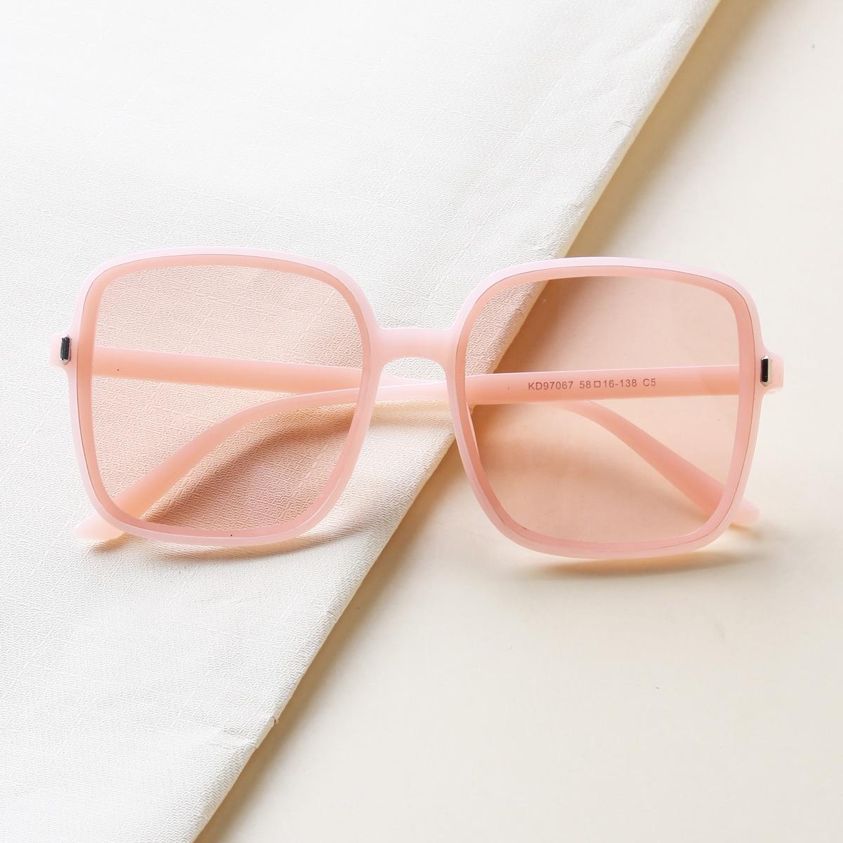 Солнцезащитные очки в квадратной оправе для девочек