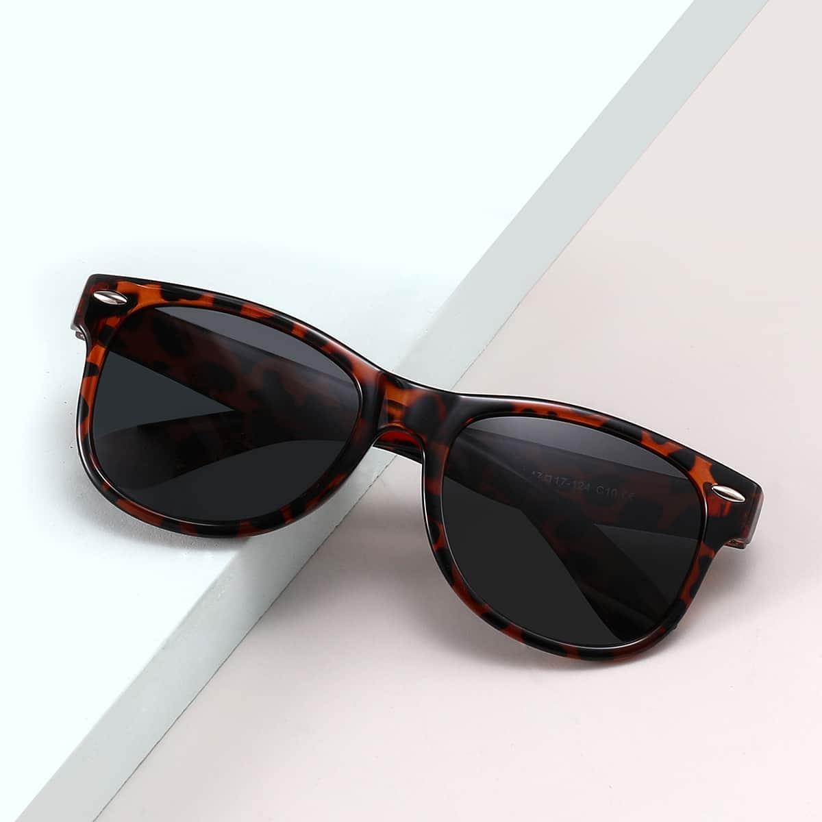 Детские солнцезащитные очки в черепаховой оправе
