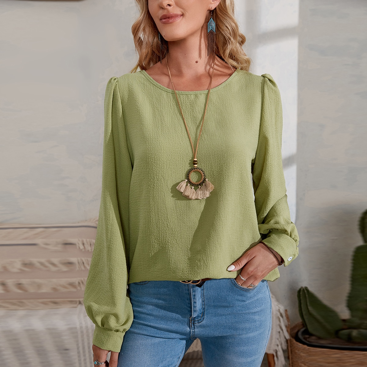 Solid Scoop Neck Puff Sleeve Blouse