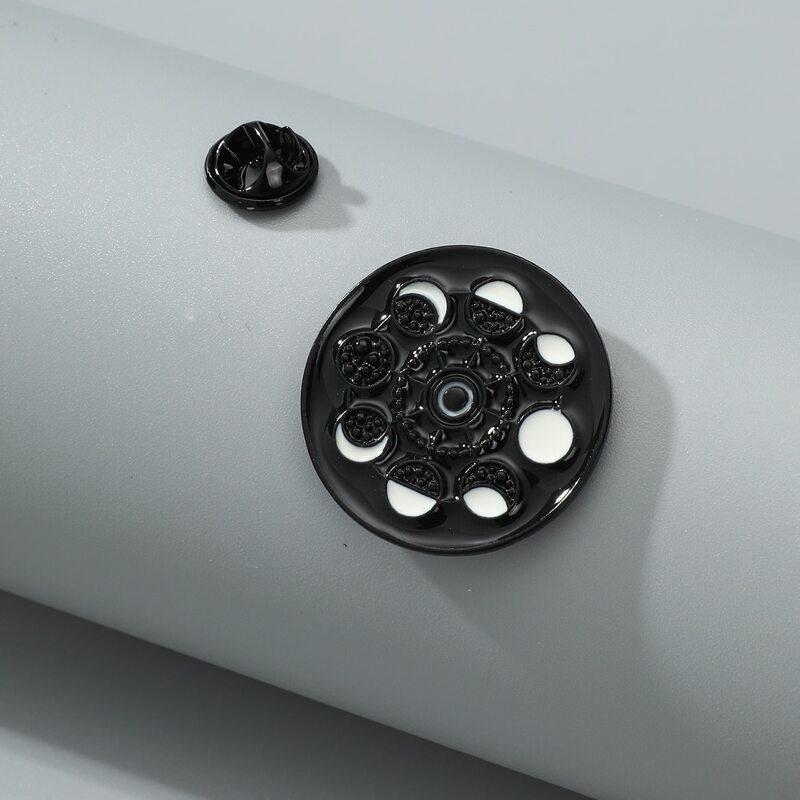 1pc Minimalist Brooch, Black and white