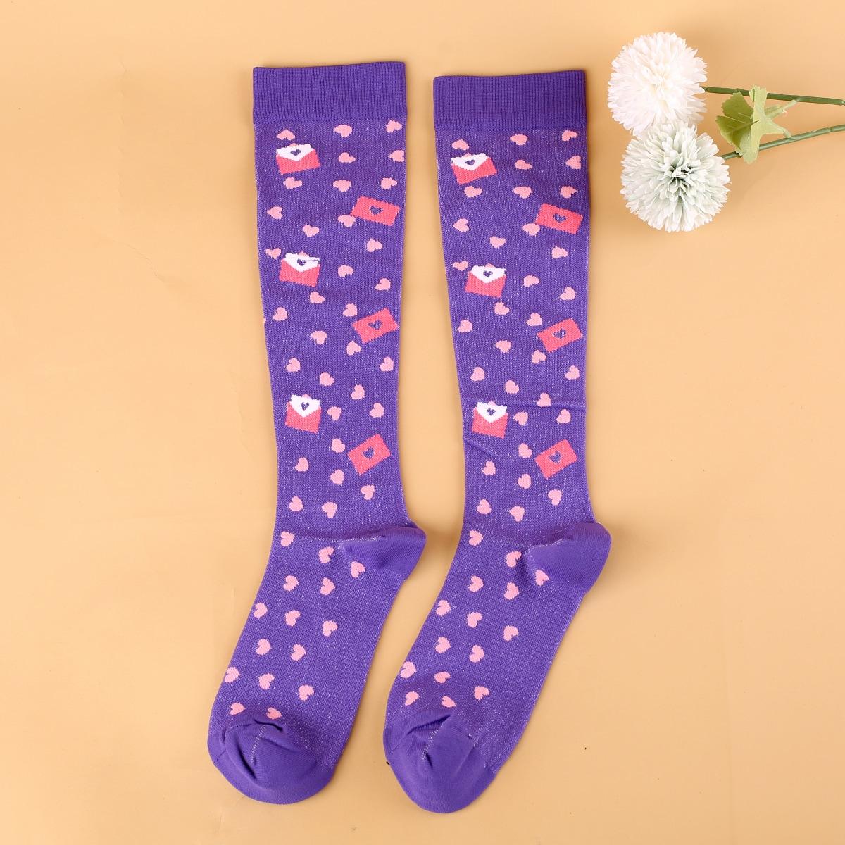 Носки выше голени с принтом сердечка