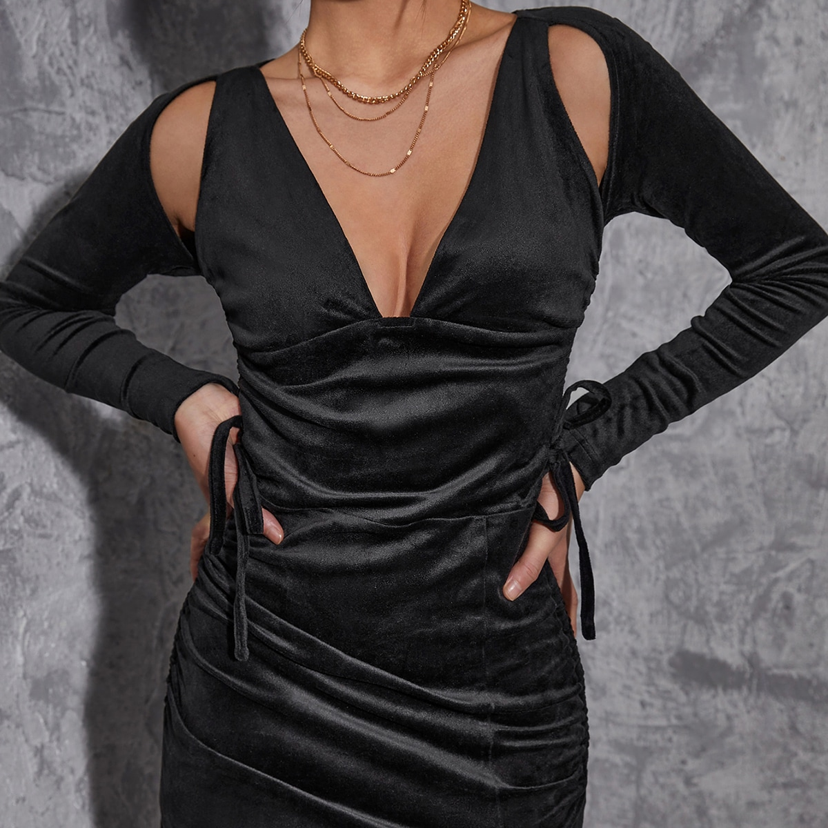 Cold Shoulder Drawstring Split Hem Bodycon Dress