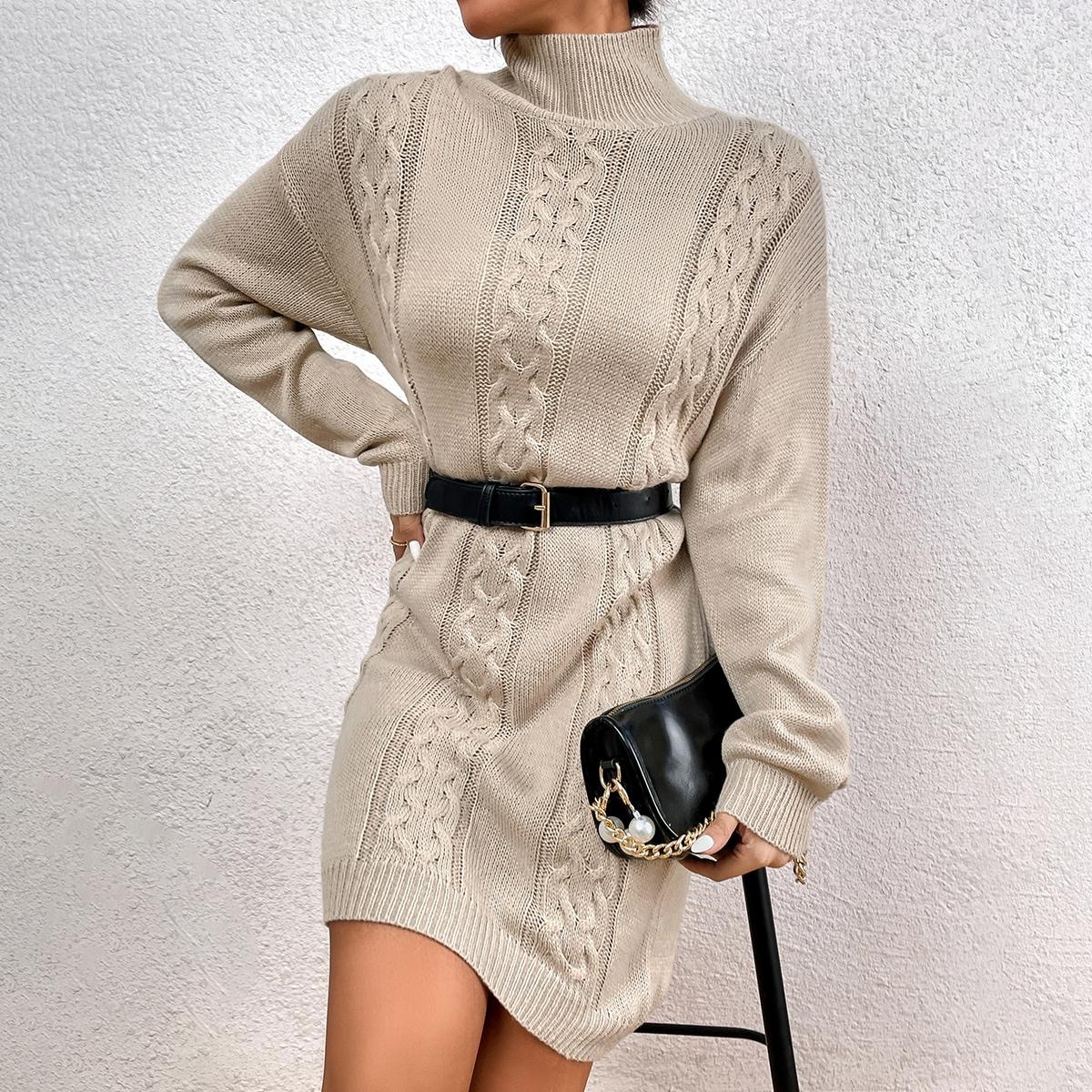 Robe pull à col montant en tricot torsadé (sans ceinture)