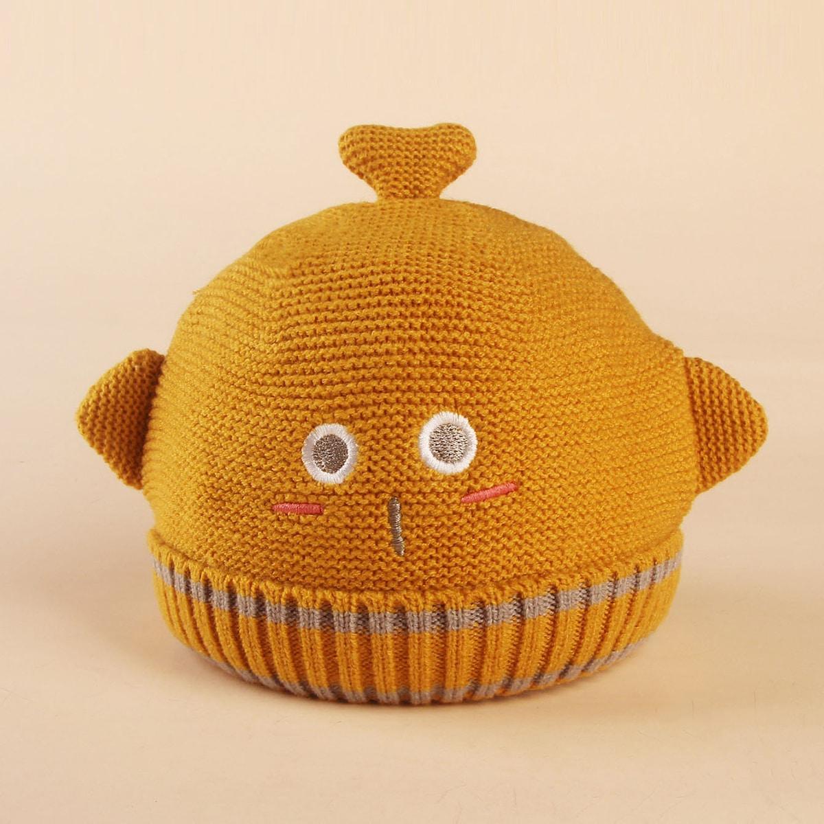 Детская шапка с мультипликационной вышивкой