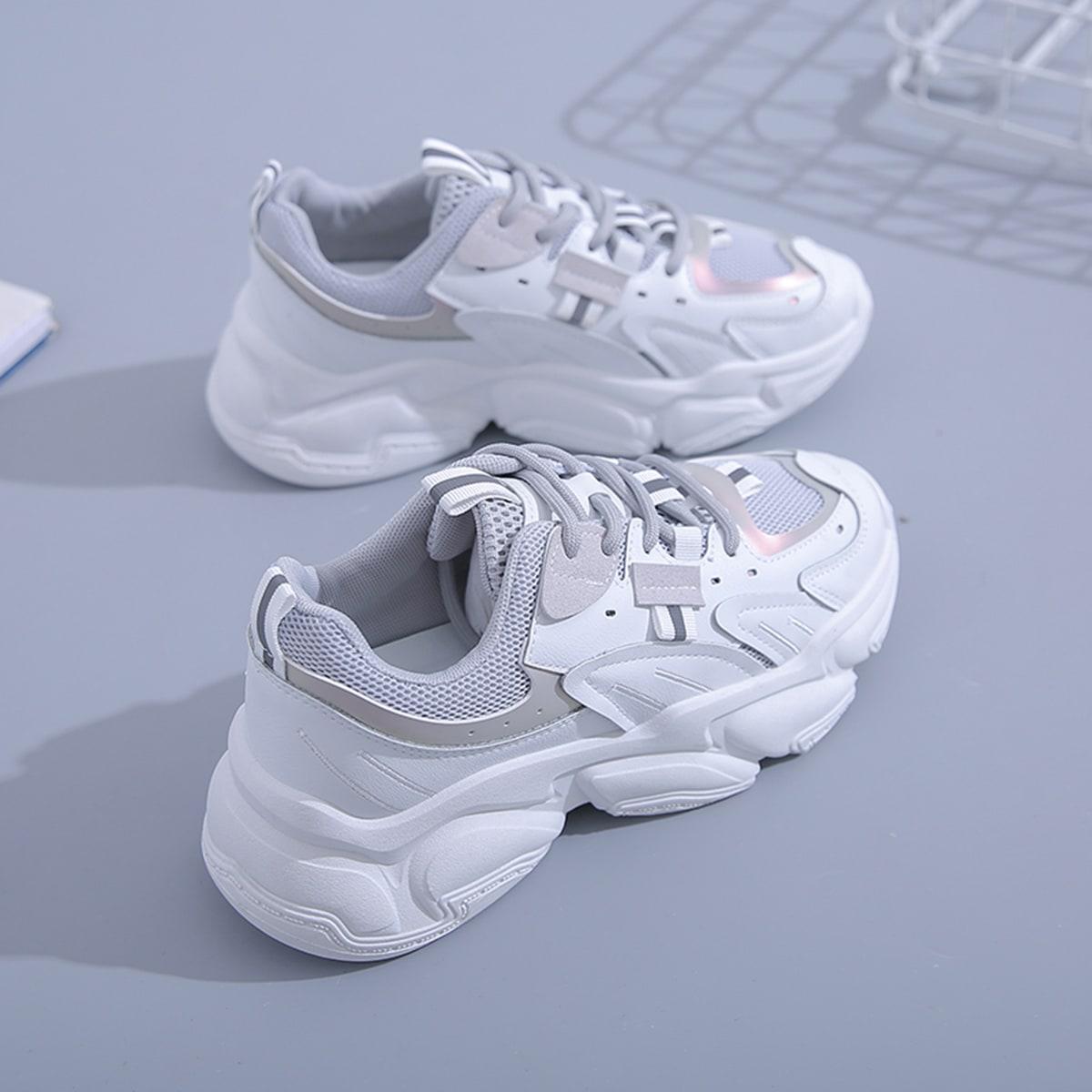 на шнурках Женская спортивная обувь