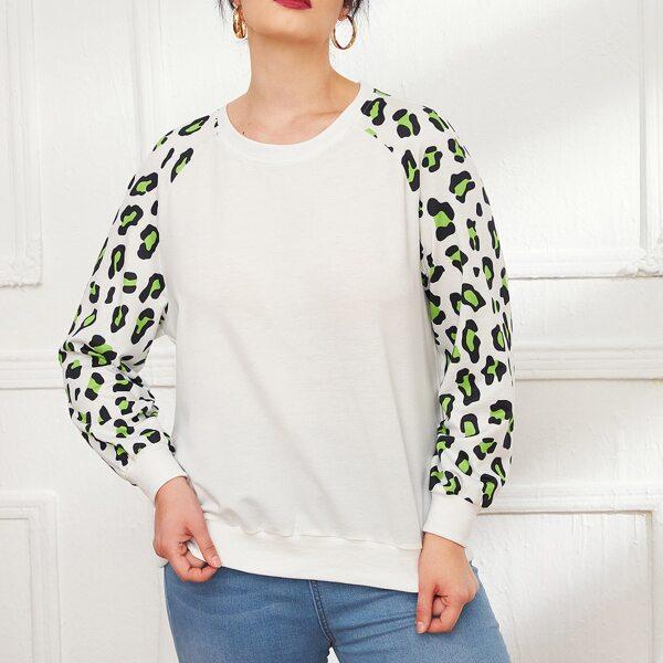 Plus Graphic Print Raglan Sleeve Pullover, White