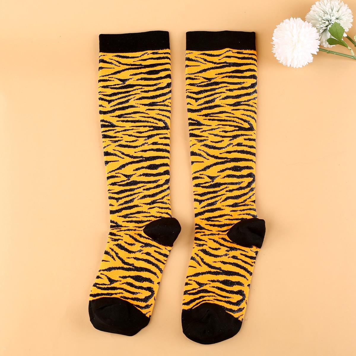 Носки выше голени с узором зебры