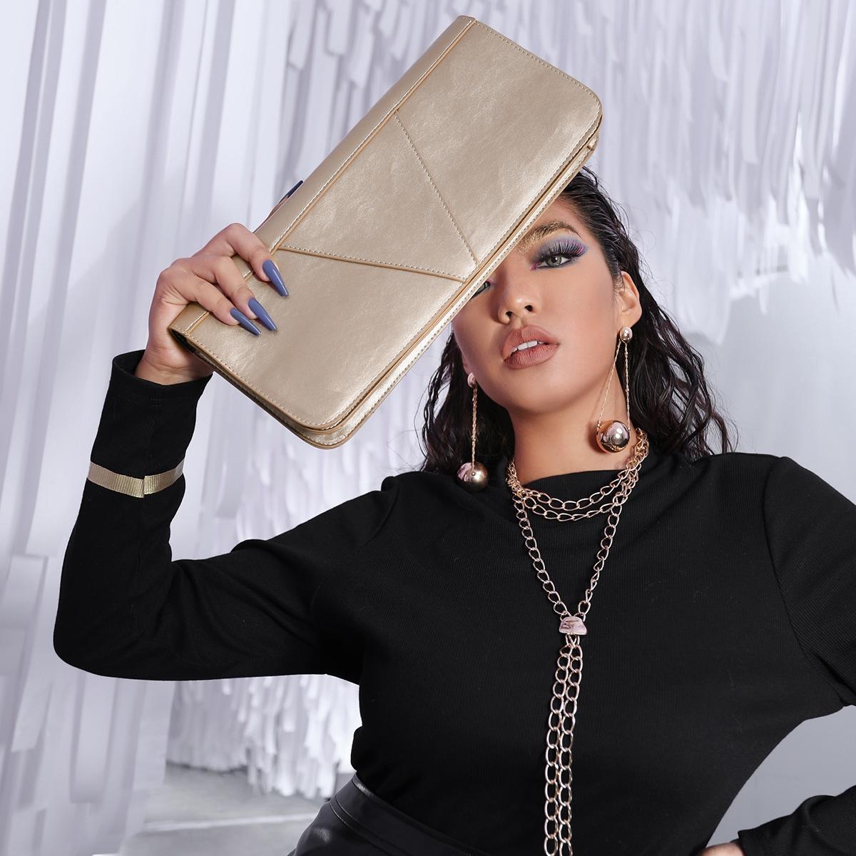 Минималистичная сумка-клатч