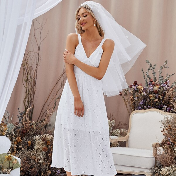 Cut Out Back Schiffy Wedding Dress Without Veil, White