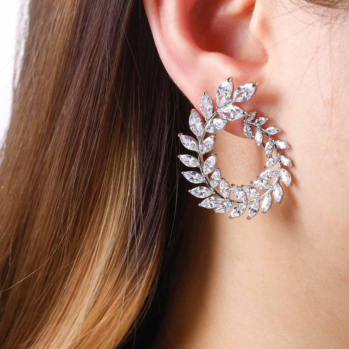 Zircon Decor Leaf Design Stud Earrings