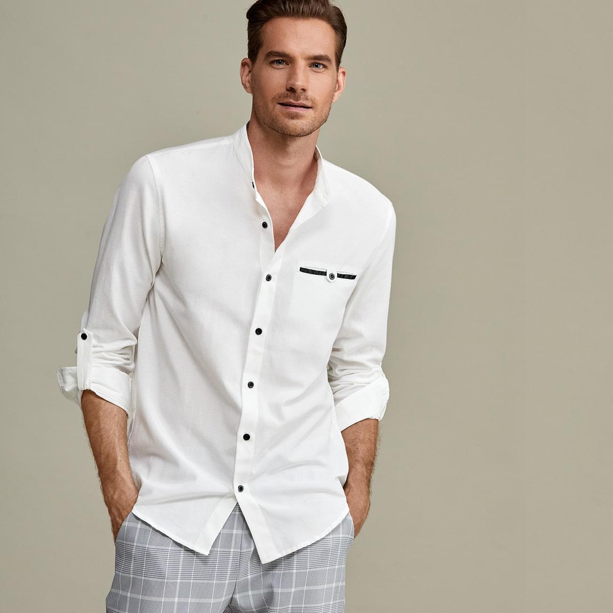 Рубашка с рулонными рукавами с карманом для мужчины