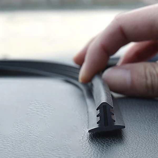 1.6M Car Trim Strip, Black