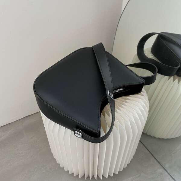Minimalist Twist Lock Baguette Bag, Black