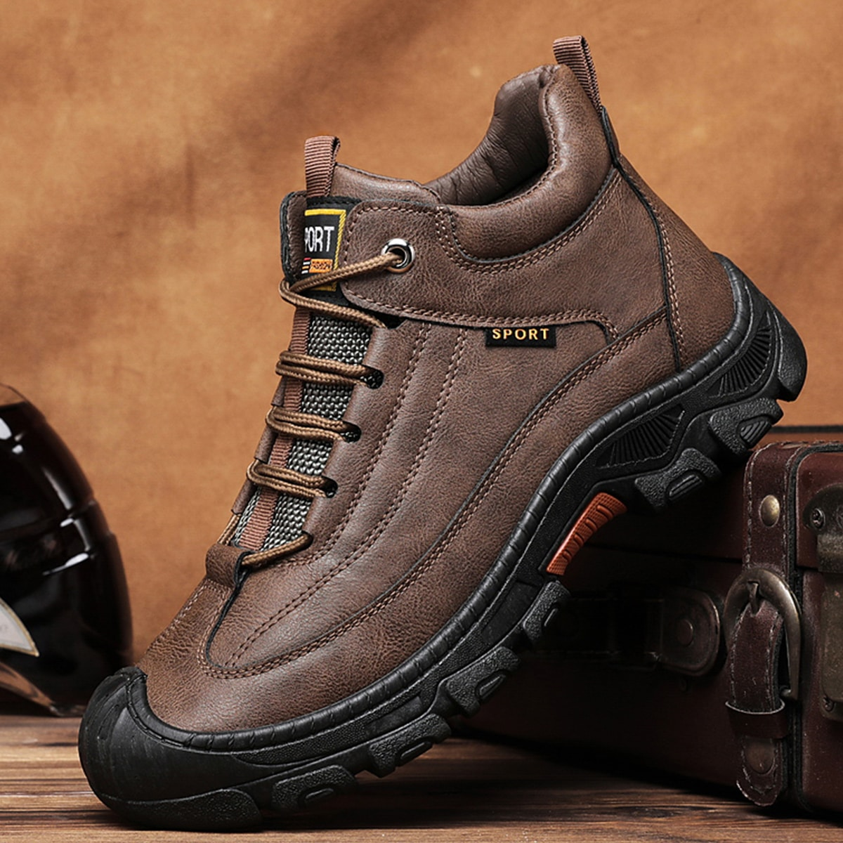 Men Minimalist Lace-up Front Hiking Boots
