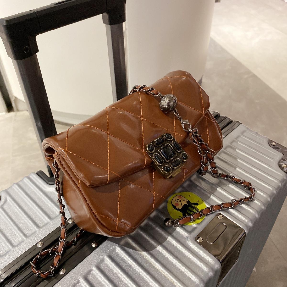 Квадратная сумка стеганый металлический замок цепочка