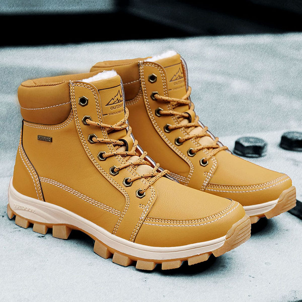 Men Minimalist Lace Up Front Hiking Boots