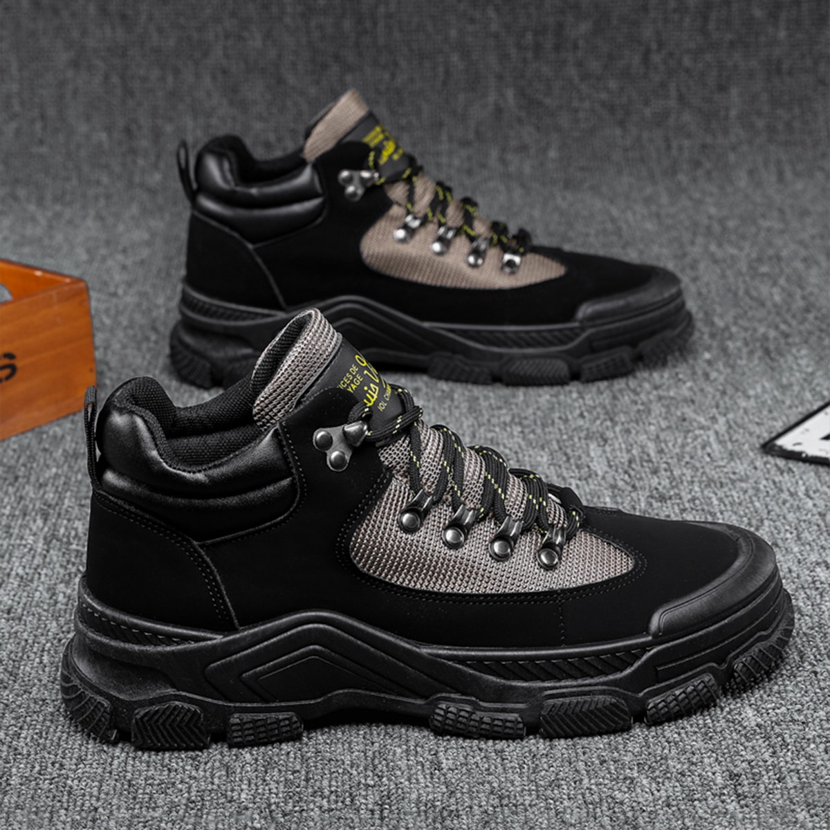 Men Letter Graphic Lace-up Hiking Boots