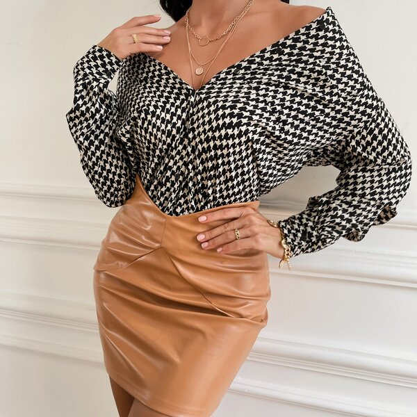 Houndstooth Print Curved Hem Blouse, Black and white