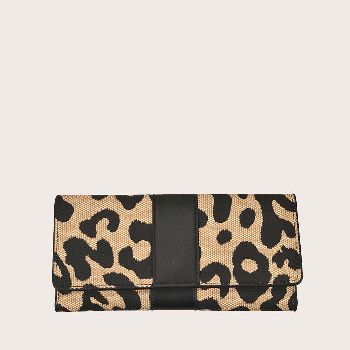 Сумка-клатч с леопардовым принтом