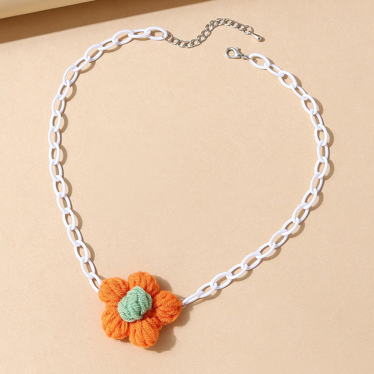 Ожерелье с цветком